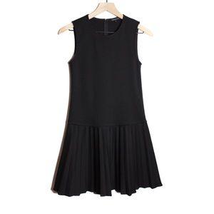 Theory Sleeveless Knit Pleated Tennis Dress | D479